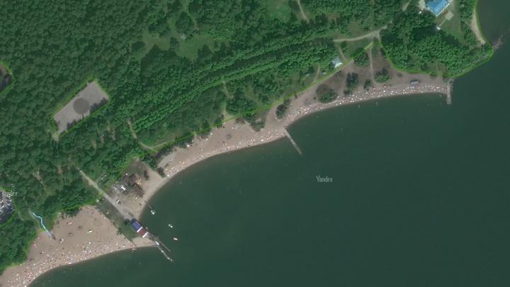 На пляже «У моря Обского» всплыло тело молодого мужчины