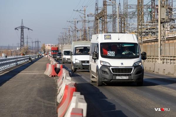 Пробки на ГЭС растянулись на несколько километров