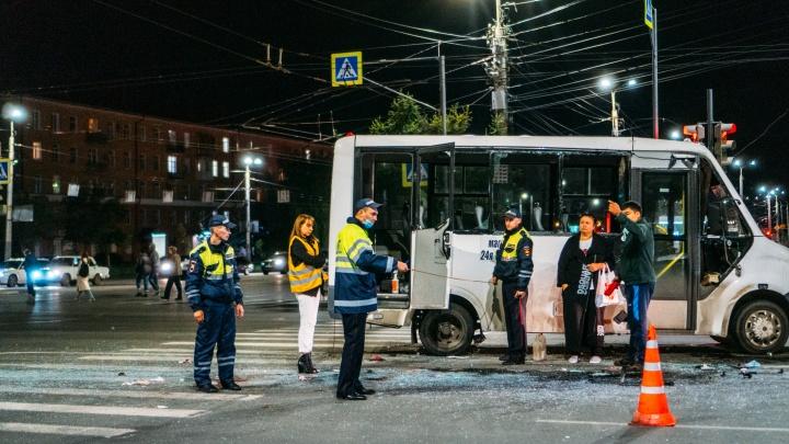 Опасный перекресток: что известно об аварии у «Голубого огонька», где пострадали восемь человек