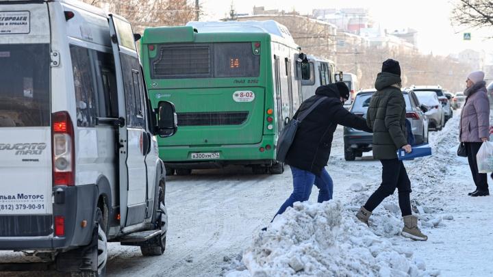 Мэр Челябинска попросила дорожников расчистить дороги от снега и наледи за пару дней. Как думаете, справятся?