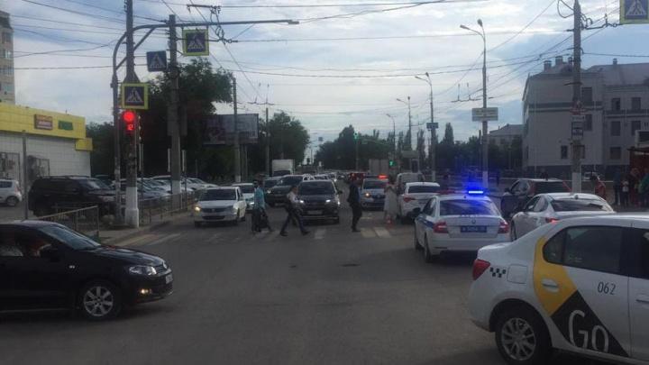 В Дзержинском районе Волгограда две девочки протаранили Citroën