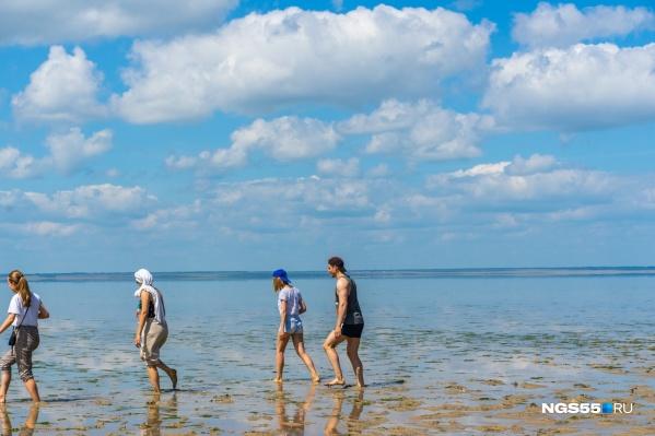 Компания в том числе проводила организованные туры на озеро Эбейты