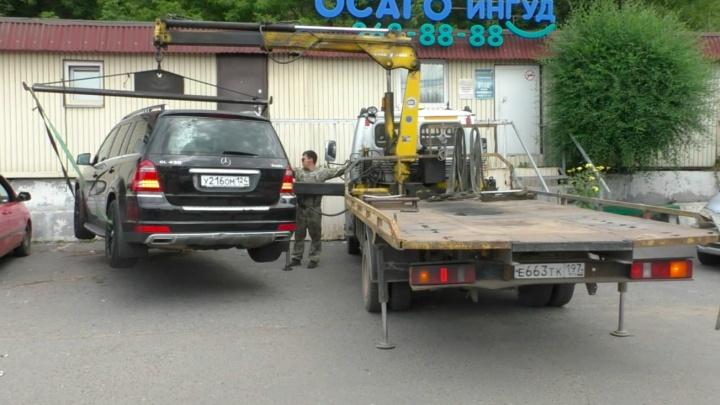 Во время рейда у красноярца изъяли премиальное авто за просроченные штрафы на 677 тысяч