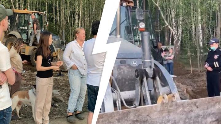 «Уже начали вырубать лес»: жители Мичуринского выступили против строительства беседок и бань на краю поселка