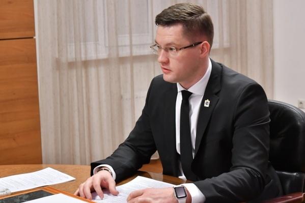 Назначение Евгения Чудаева до сих пор вызывает немало вопросов