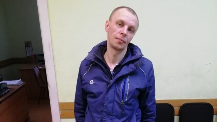 В Омске задержали подозреваемого в краже телефона у умершего на пробежке челябинского офицера