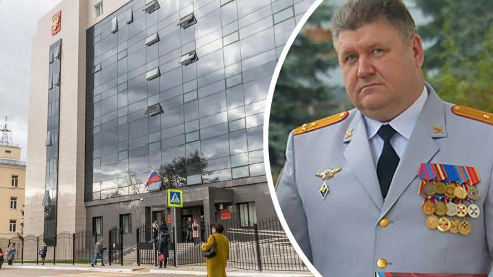 «Почему мало машин на штрафстоянках?»: по делу экс-начальника полиции Сызрани допросили гаишников