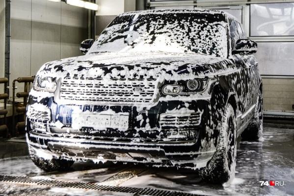 В автосалонах все в мыле: спрос опять превышает предложение