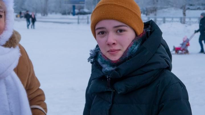 В Архангельске за запись видеообращения к Алексею Навальному задержали 19-летнюю студентку