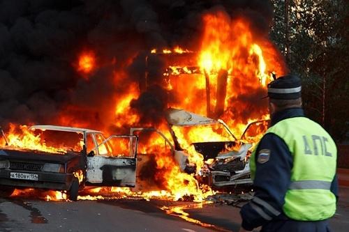"""В страшной аварии <nobr class=""""_"""">10 лет</nobr> назад сгорели автобус и две машины — ДТП унесло жизнь <nobr class=""""_"""">11-летней</nobr> Даши Харламовой"""
