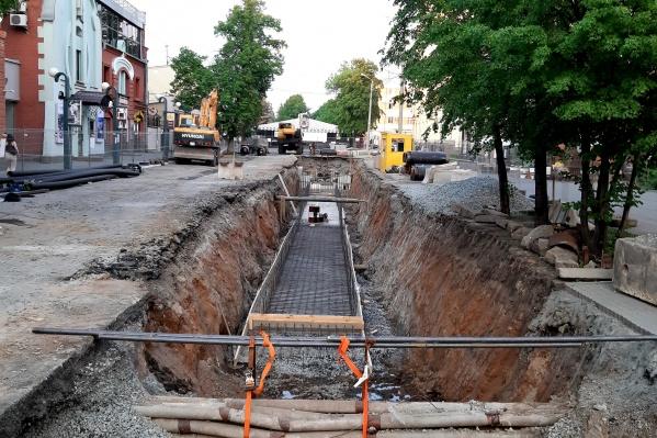 В центре города заменят 370 метров тепломагистрали на улице Коммуны
