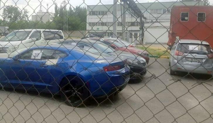 Машины отвозят на штрафстоянки по всей России