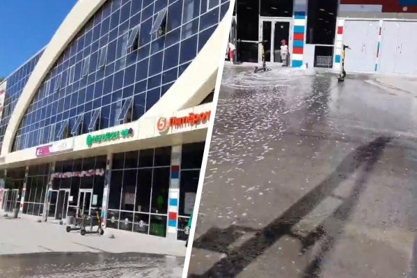 Очевидцы заметили потоп в 11:30