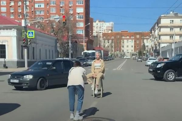"""Женщинам грозит штраф <nobr class=""""_"""">в 500 рублей</nobr> за правонарушение"""