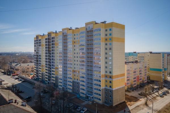 На месте семи аварийных деревянных бараков возведен современный жилой комплекс