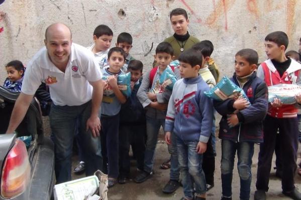Сирия. На свои деньги бизнесмен закупал гуманитарную помощь