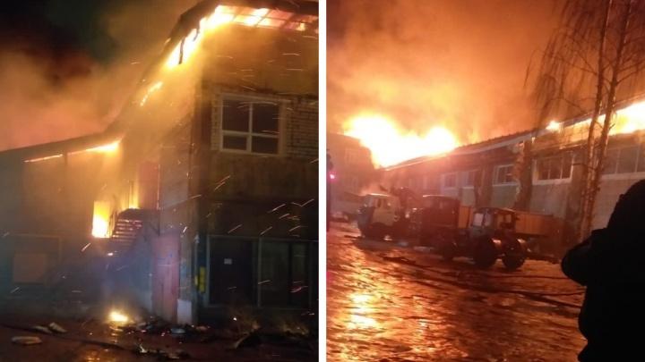 Вызвали всех спасателей в городе: в Рыбинске начался пожар на территории завода «Магма»