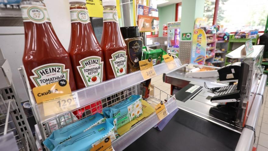 «Всем подряд предлагаем кильку — ну чего смеяться?» Почему кассиры в супермаркетах навязывают товары по акциям
