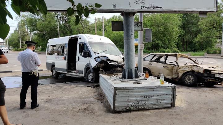Водитель пострадавшей маршрутки рассказал подробности страшного столкновения в Волгограде