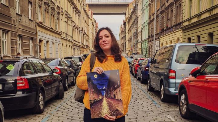 Бросила всё и стала художницей в Чехии: история тюменки, которая 20 лет назад поселилась в Праге