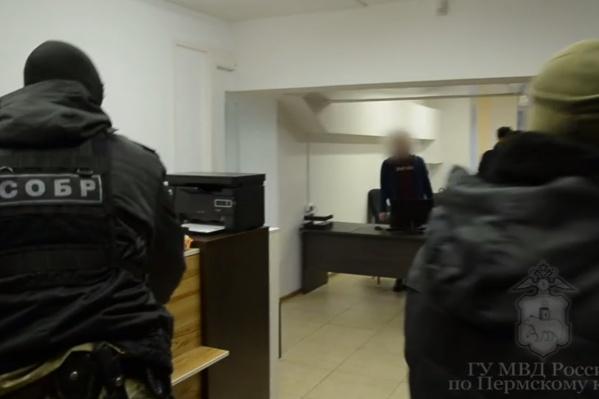 Мошенников задержали у них в офисе
