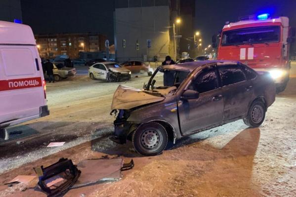 По данным СК, пьяный полицейский сел за руль Lada Granta и устроил смертельную аварию