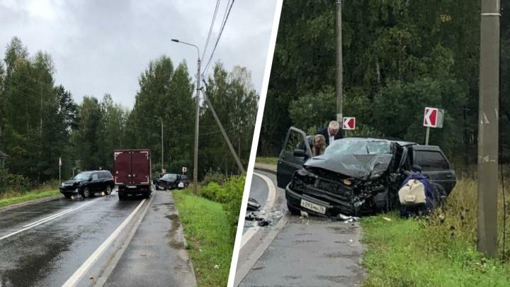 Мэр Рыбинска на Lexus врезался в «десятку»: двое в больнице