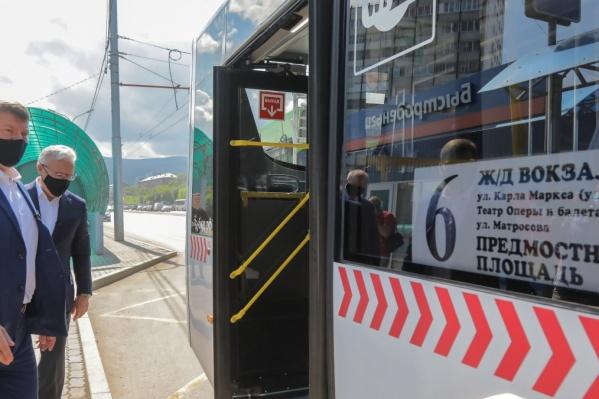 Летом на продленном маршруте прокатились Усс и Еремин, но вот обычных пассажиров там немного