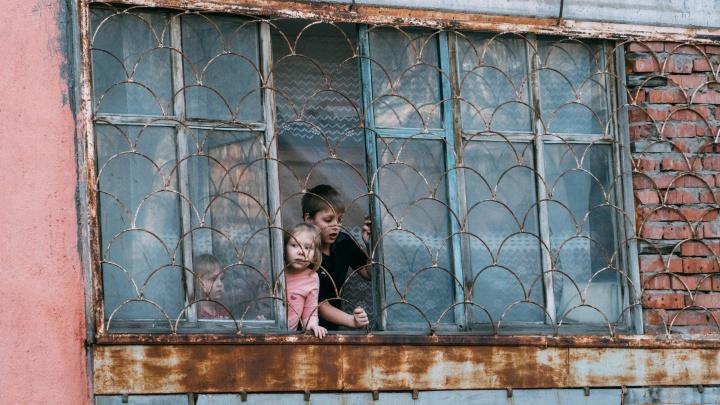 «Подарок в виде судимой мамы»: как и для чего российские семьи обналичивают маткапитал