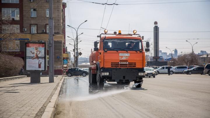 Губернатор попросил ускорить уборку улиц и дорог к майским праздникам