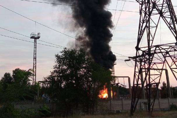 «Надо отдать должное спасателям»: подробности пожара на подстанции в Волжском