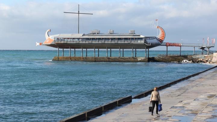 Море волнуется. Куда улететь за границу по стоимости Турции и во сколько обойдется Крым (придется подкопить)