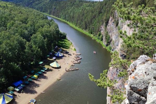Мальчик погиб, пытаясь переплыть реку