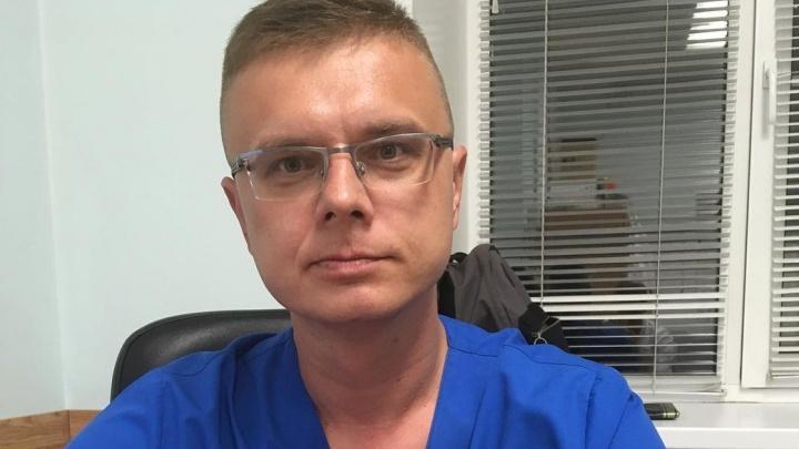«Ни разу не поступал привитый пациент»: руководитель кемеровского ковидария — о вакцинации