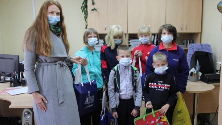 Сотрудники пермского «Уралхима» собрали школьные принадлежности для нуждающихся детей
