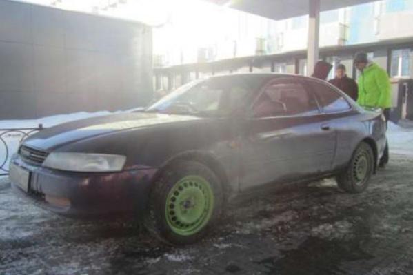 Toyota Corolla Levin 1993 года была повреждена по вине другого водителя