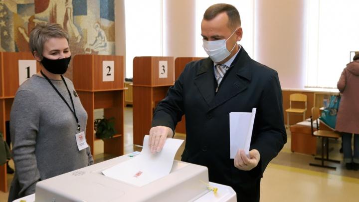 Губернатор Курганской области Вадим Шумков принял участие в выборах депутатов Госдумы