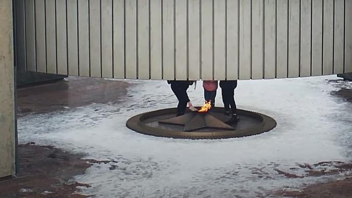В Тольятти подростки потушили Вечный огонь