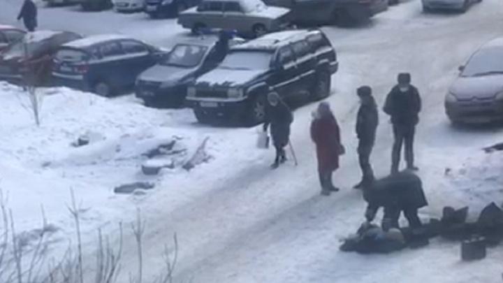 В разных районах Екатеринбурга за день нашли четыре трупа