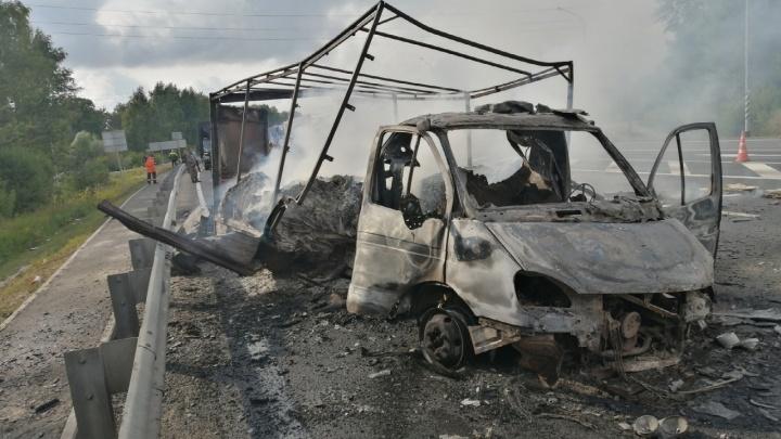 «Газель» сгорела дотла на трассе в Лысковском районе