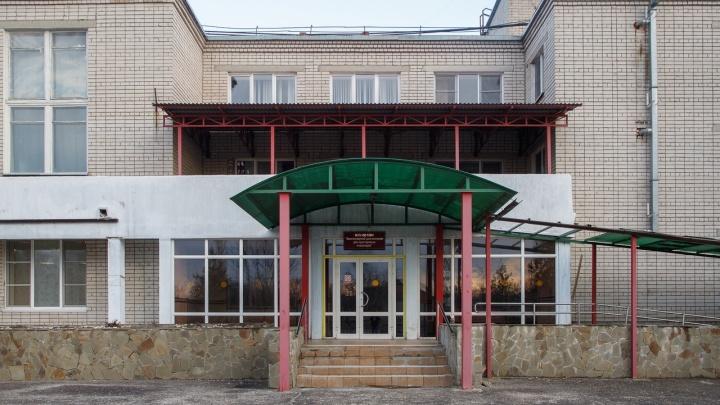 «Госпитализаций в стационар не было»: в Волгограде из окна дома-интерната выпала женщина