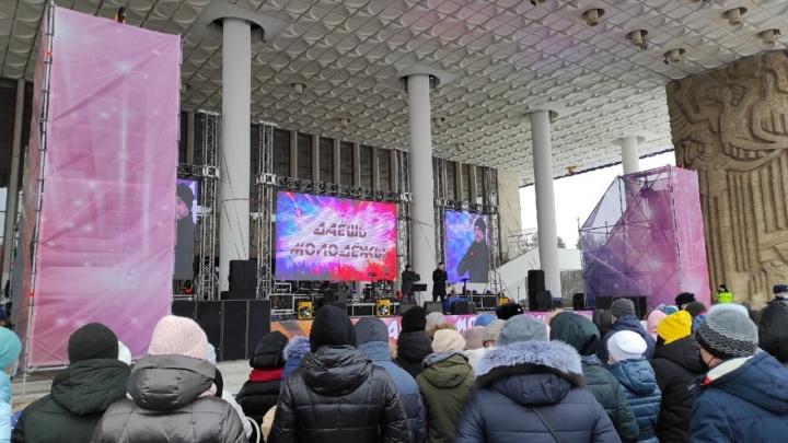 «Никакой политики»: в Уфе во время протестов состоялся концерт звезд башкирской эстрады