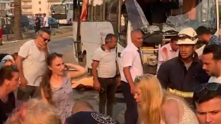 В Ростуризме уточнили число туристов, погибших в ДТП в Турции