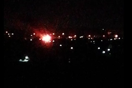 Ночью на Титова загорелся заброшенный дом — под завалами нашли погибшего мужчину