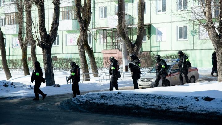 Как вывели обиженного должника: фотографии с операции по освобождению заложницы в Северодвинске