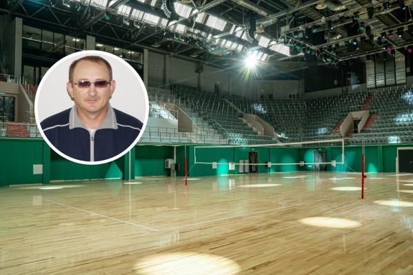 Николай Симоненко является тренером по волейболу