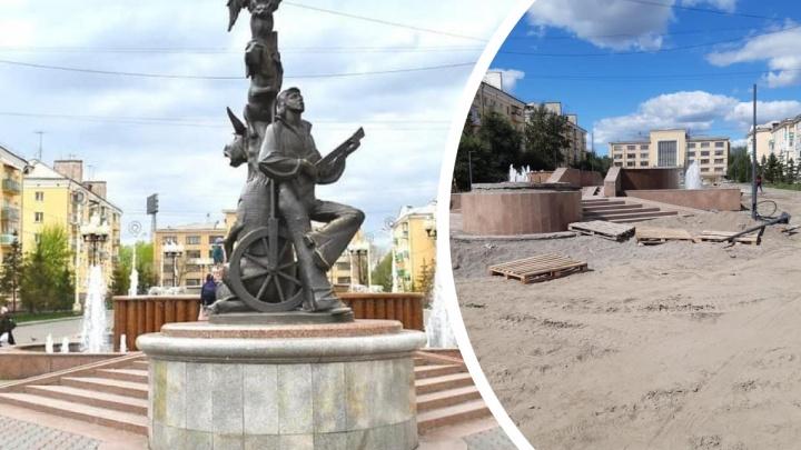 Скульптуру «Бременские музыканты» решено вернуть к Дворцу культуры
