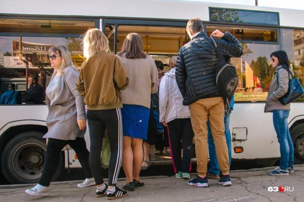 Горожане жалуются, что автобусов не хватает
