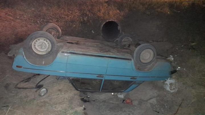Под Новосибирском пьяный водитель на «Жигулях» слетел в кювет — погибла его пассажирка
