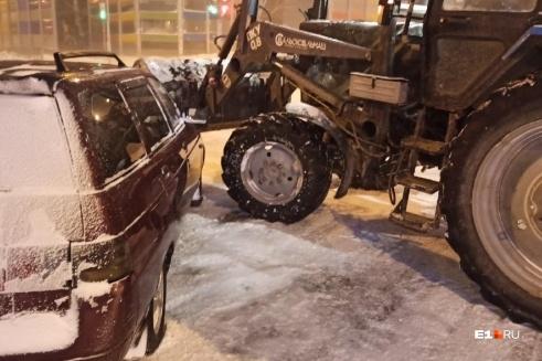 У машины серьезные повреждения